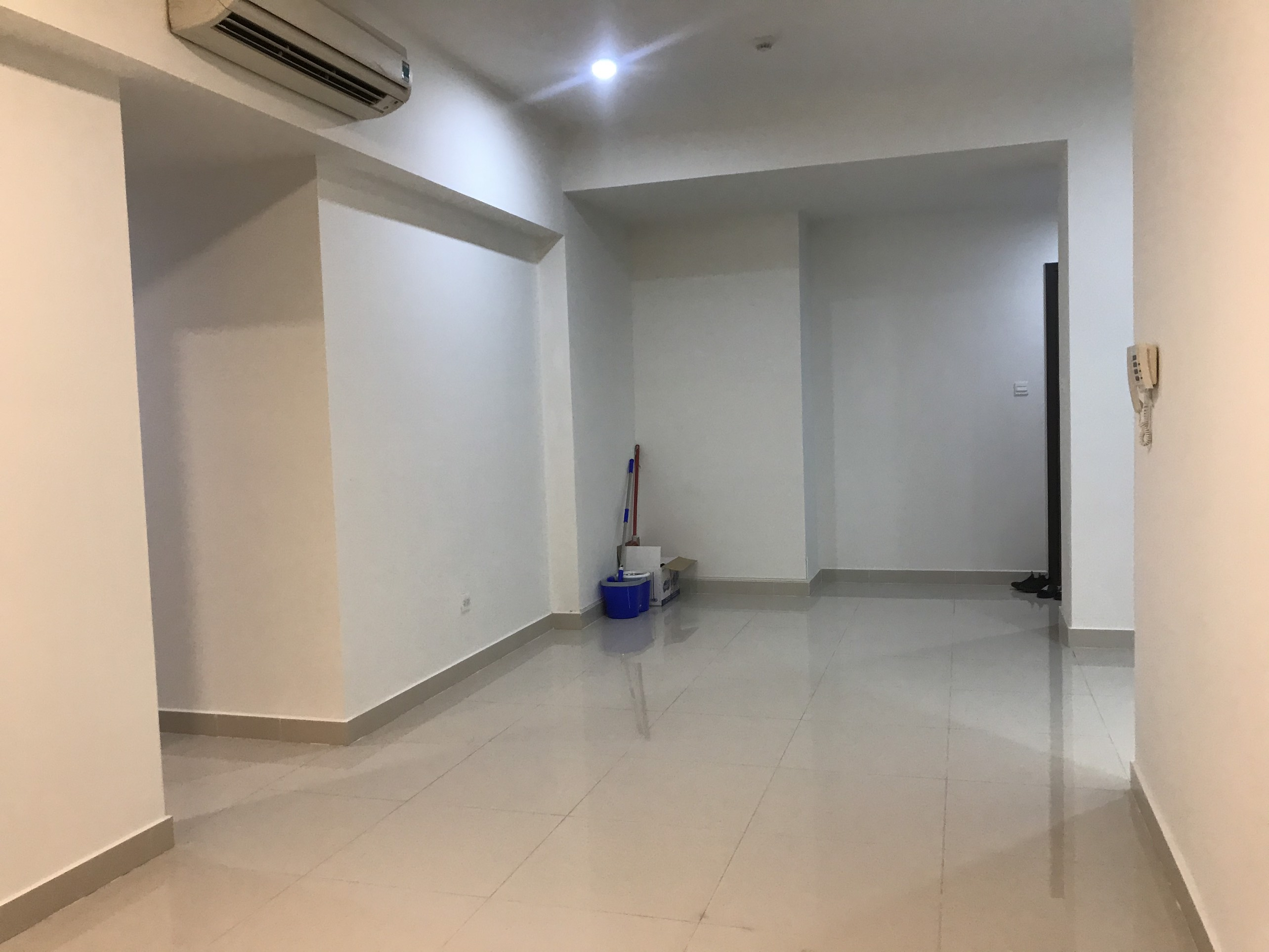 Cho thuê 3 phòng ngủ Nội Thất Cơ Bản The Sun Avenue - ID 010266