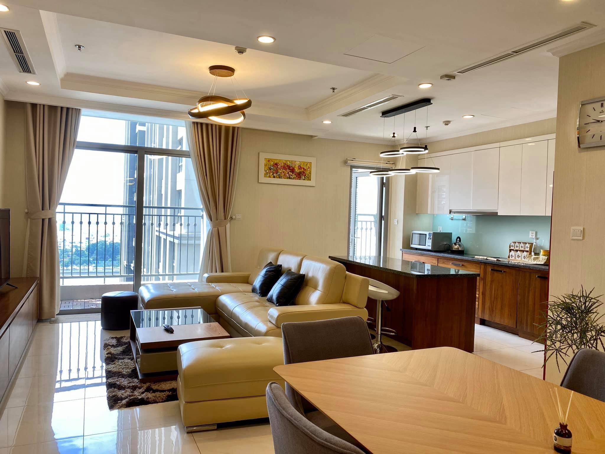 Cho thuê 4 phòng ngủ Vinhomes Central Park - ID 010126