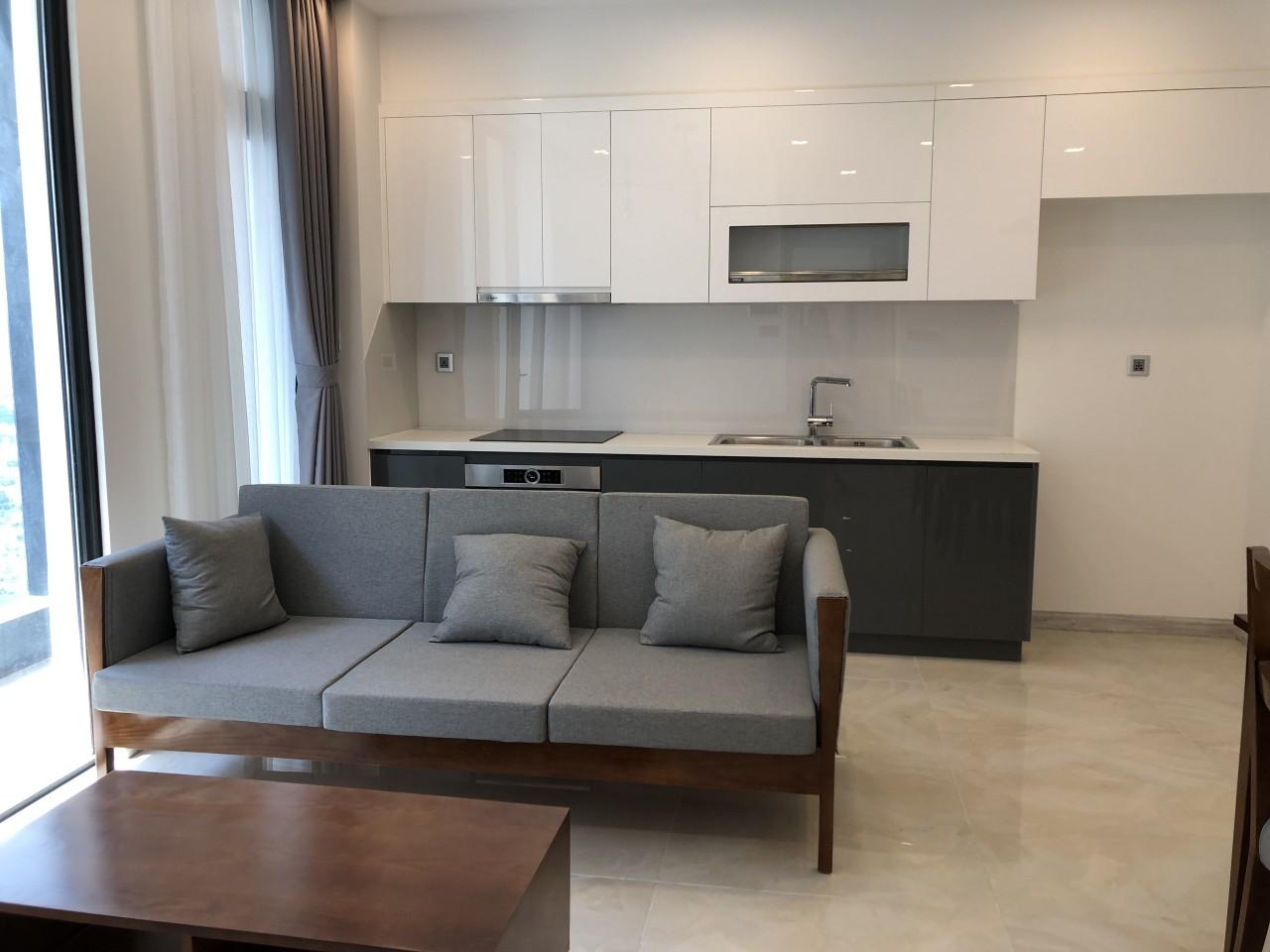 Cho thuê 2 phòng ngủ Vinhomes Golden river - ID 010109