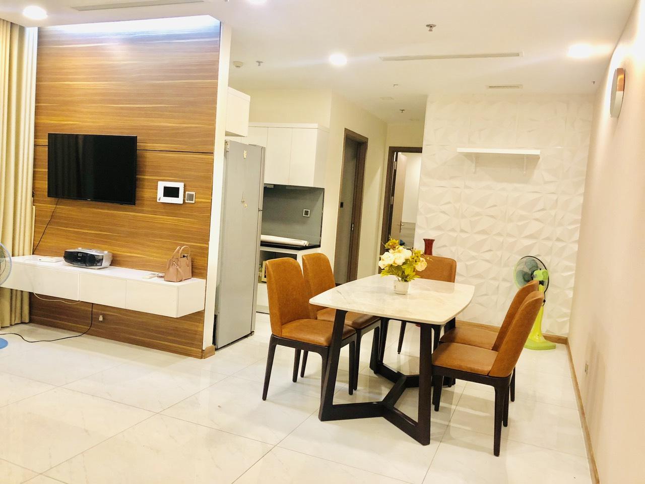 Cho thuê 2 phòng ngủ Vinhomes Central Park - ID 010136