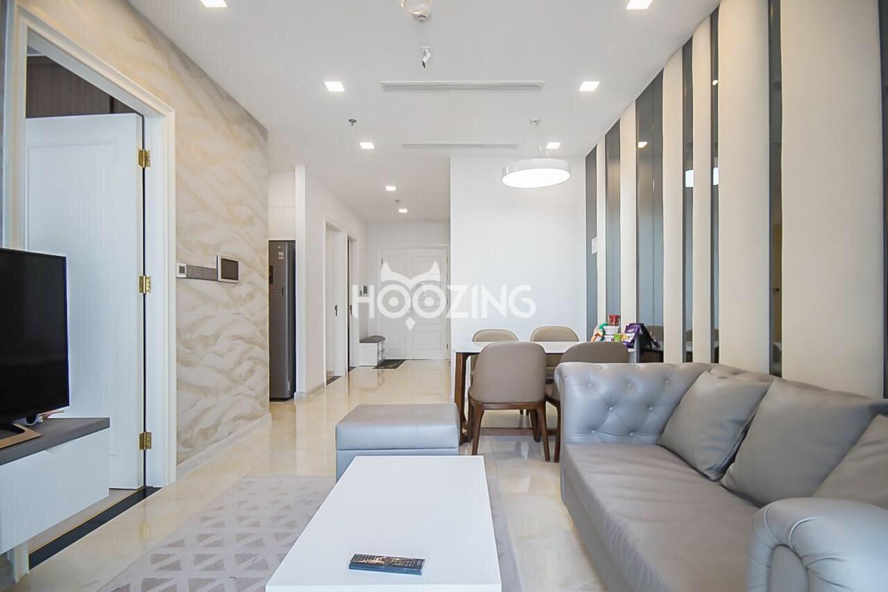Cho thuê 2 phòng ngủ Vinhomes Golden river - ID 010113