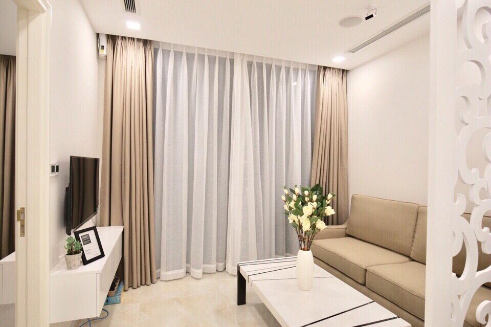 Cho thuê 2 phòng ngủ Vinhomes Golden river - ID 010115