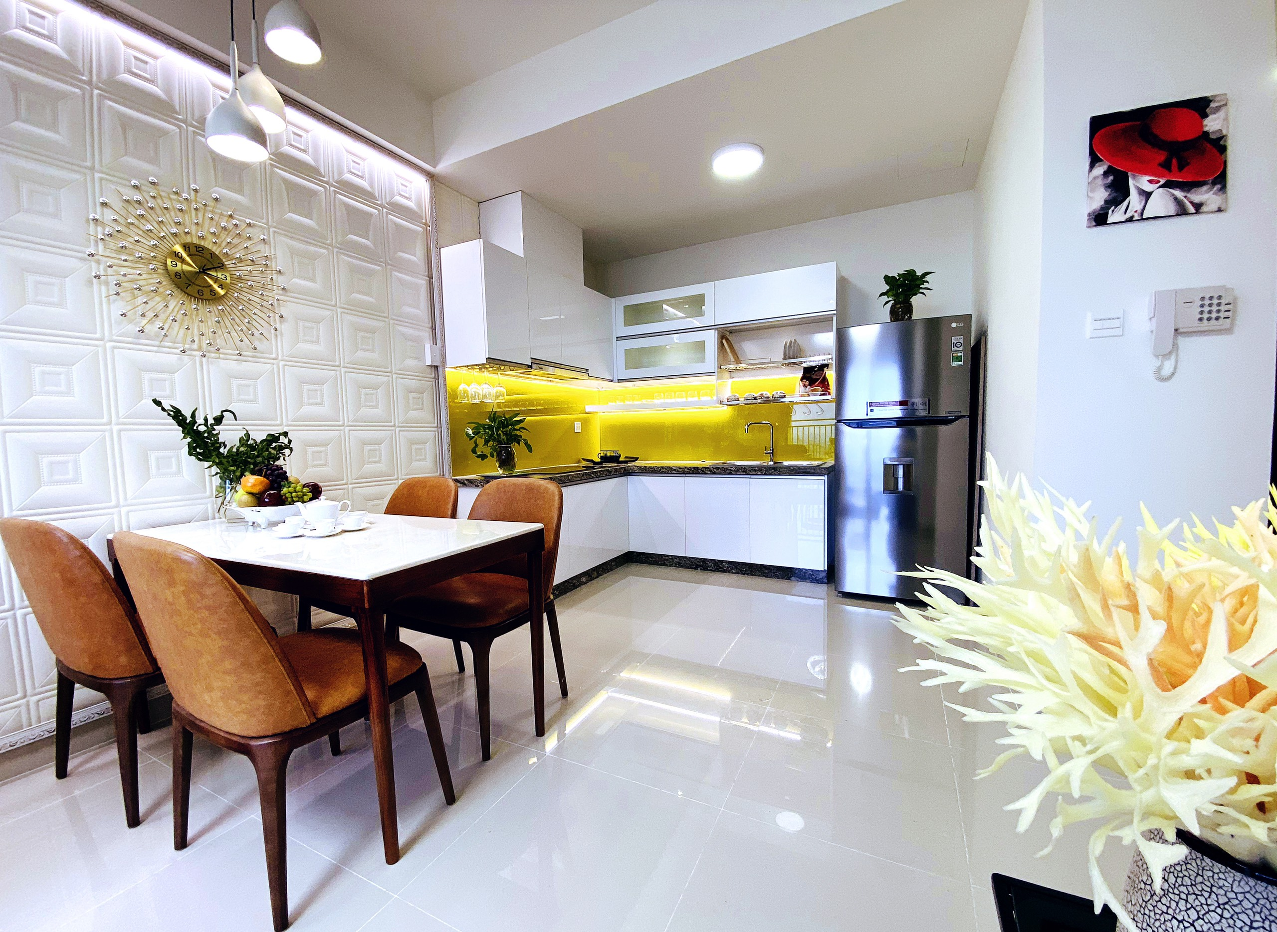 Cho thuê 2 phòng ngủ The Sun Avenue - ID 010172